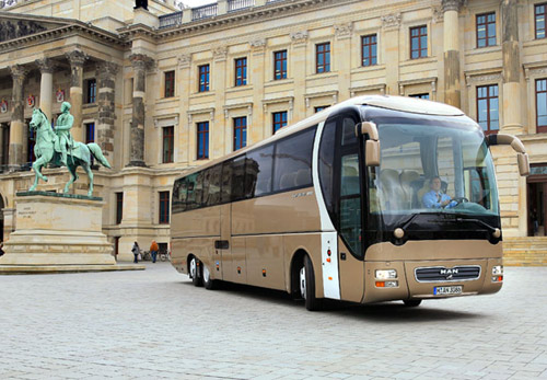 автобус lions coach supreme